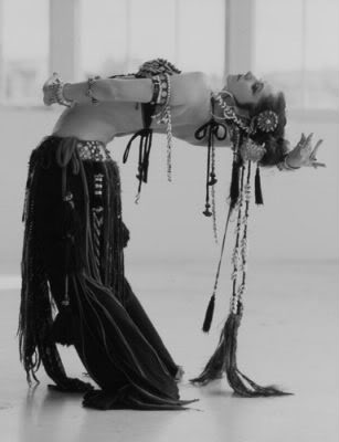 Belly-dance-dancers-sexy-nude-dubai-arab-desert-nude-tribal-belly-dress8