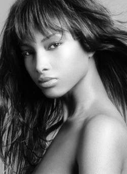 Beautiful-black-woman-black-and-white-photo-1